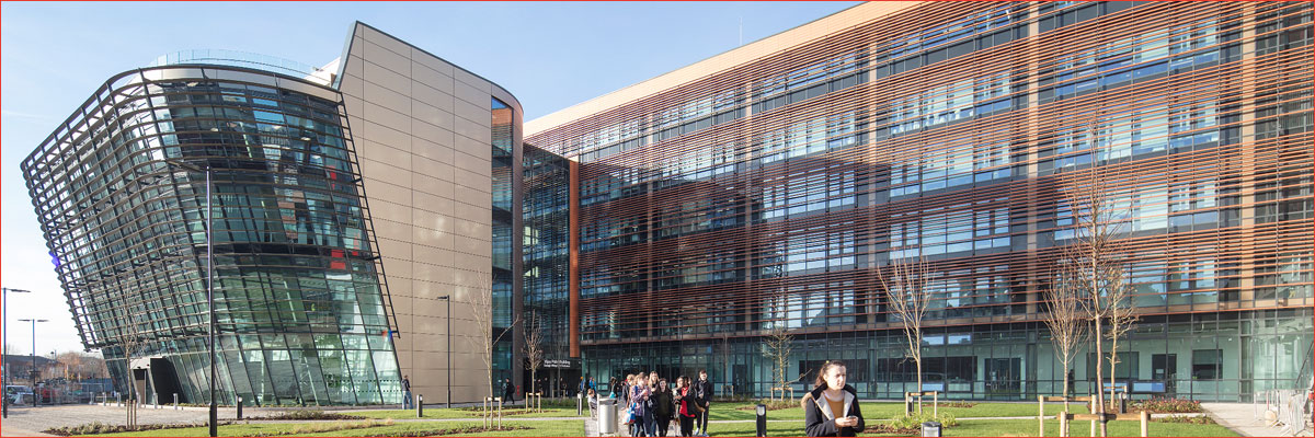 Project: De Montfort University, Leicester<br/>Products: AA®100, AA®720, 190