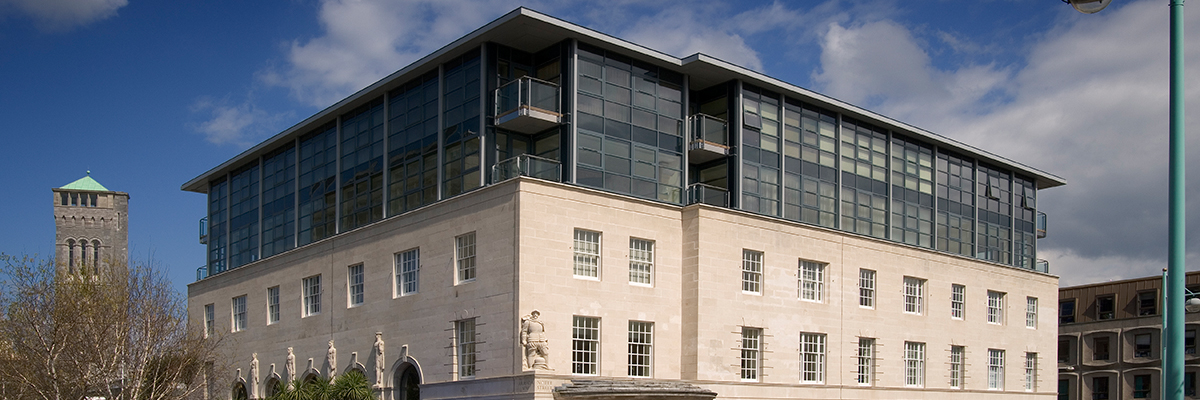 Project: Berkeley Square, Plymouth<br/>Products: Curtain Wall, AA®720