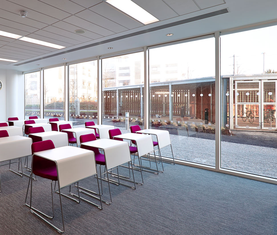 Holiday Inn Express Wall Street: Products: AA®110 65mm Curtain Wall System: Case Studies