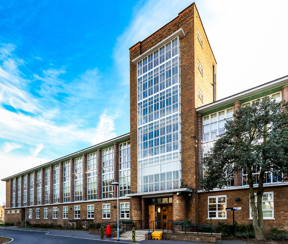 products aa mm curtain wall system case studies kawneer uk