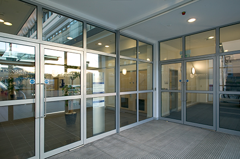 Products Door Systems 190 350 Doors Kawneer Uk